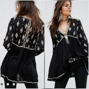 Free People diamond embroidered blk baby doll top
